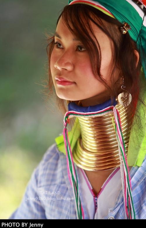 泰国长颈村美女 永远背负的美丽枷锁