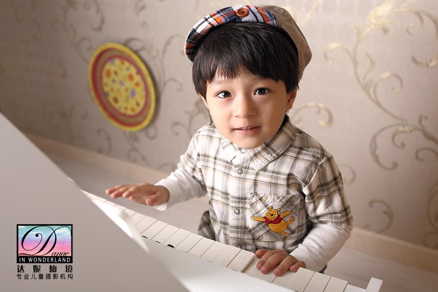 比如藏族可爱小帅哥11岁