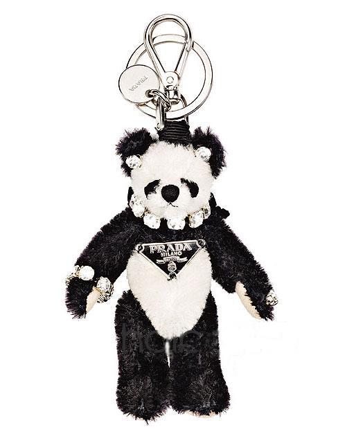 熊猫钥匙扣,毛绒绒的形象十分可爱近人,耳朵,脖子和爪子上都镶嵌着