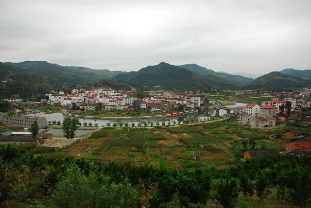 房县青峰镇.