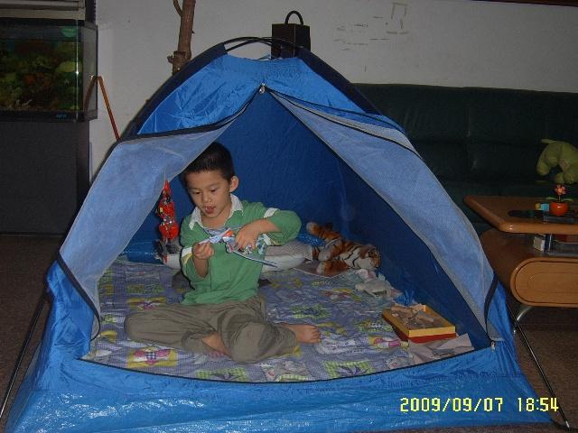 帐篷一直在地下室睡大觉