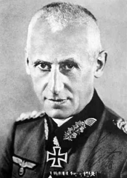 冯.马肯森(1942.11.22-1943.10.26)